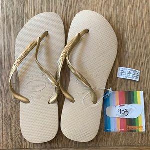 Havaianas, 35-36, tan, gold thin strap, new